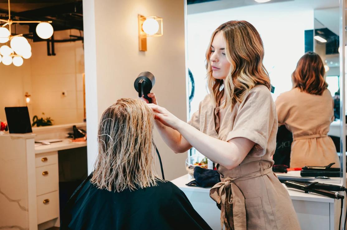 10 cosas que jamás debes decir a los clientes de tu peluquería o centro de belleza